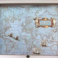 """Schubladenkommode """"Landkarten und Federn"""""""