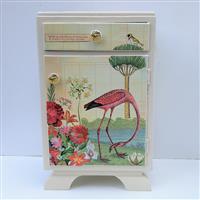 Flamingo im Blütenmeer